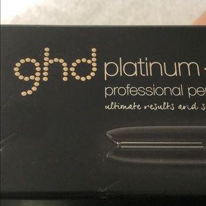 GHD PLATINUM+ flat irons